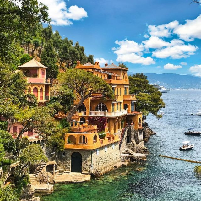📍 Portofino, Italy  📷 credit: @worldtravel.bug